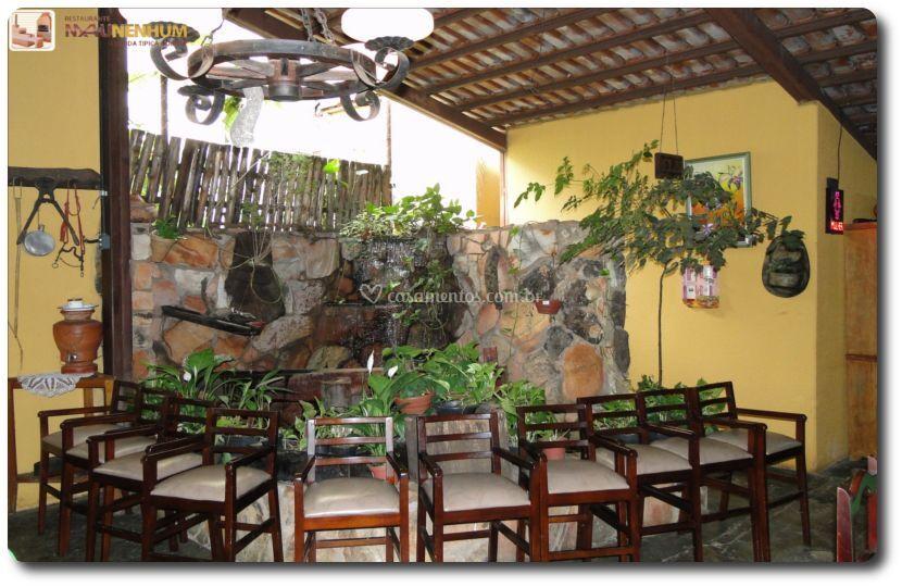 Ambiente Agradável e decoração Rústica