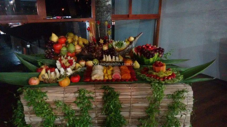 Mesa de Frutas (Festa Havaí)
