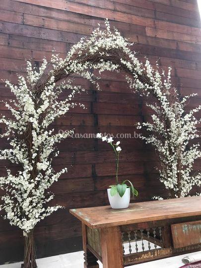 Arco de flores altar