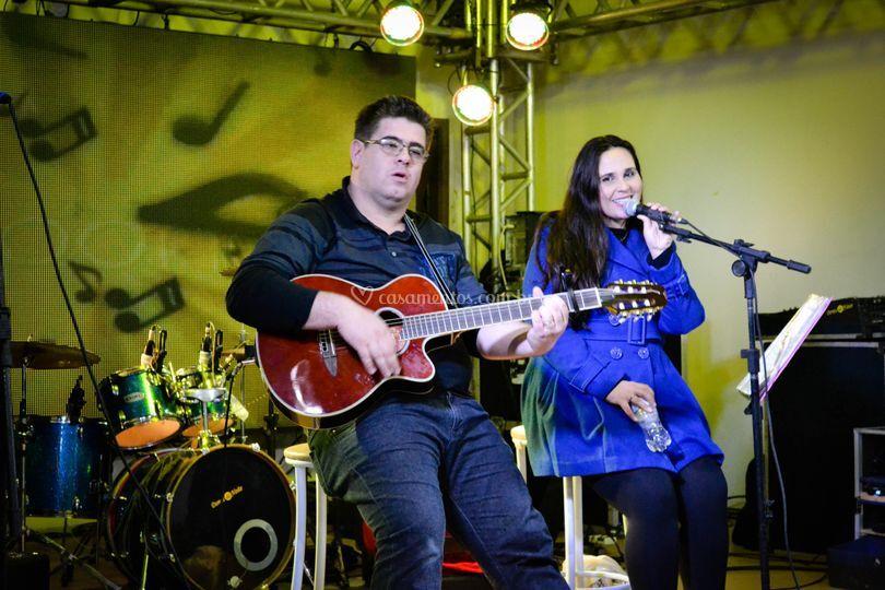 Daniela & Thiago voz e violão