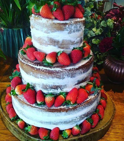 Naked Cake 3 andares Frutas
