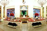 Sal�o decorado com flores vermelhas de Esta��o Baroneza