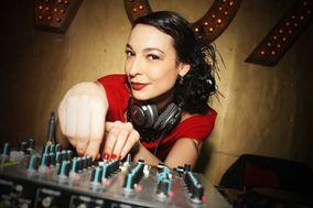 Carla Elektra DJ + Live Vocal