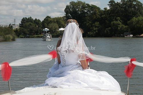 Noiva na lancha