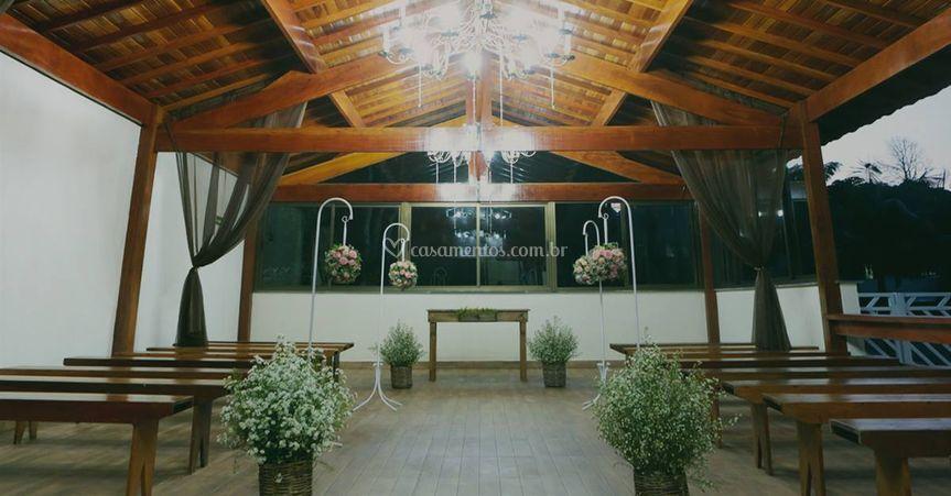 Espaço coberto para cerimônia