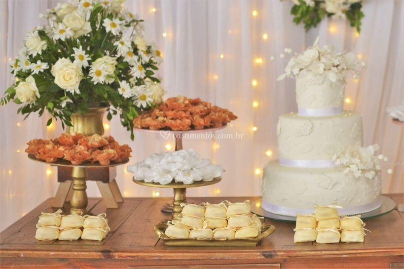 Doces gourmet e bem casados