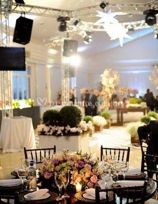 Flores no centro da mesa