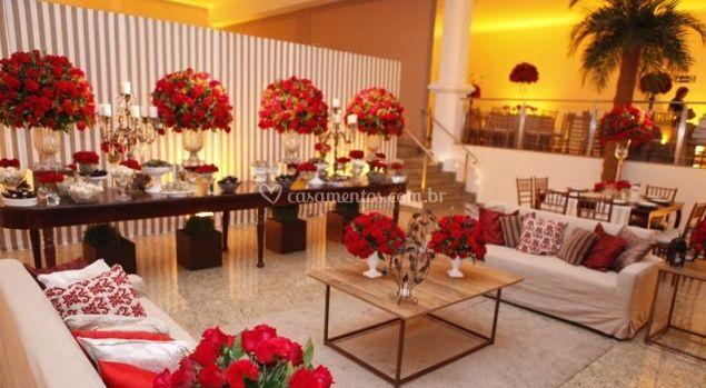 Flores vermelhas na decoração
