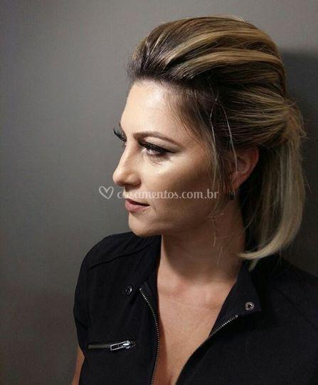 Bela Lorentino Makeup