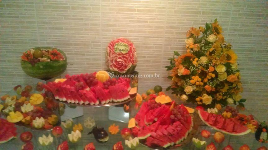 Mesa frutas decorada