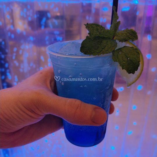 Bar e coktails combinando