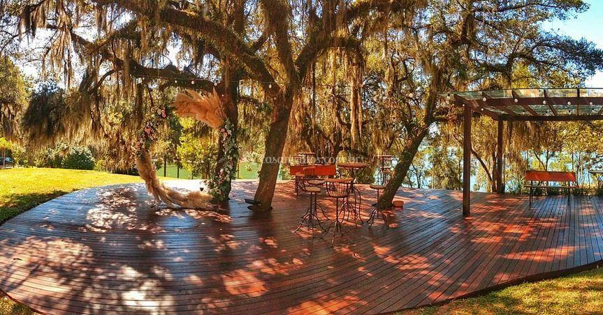 Deck Lounge Belvedere
