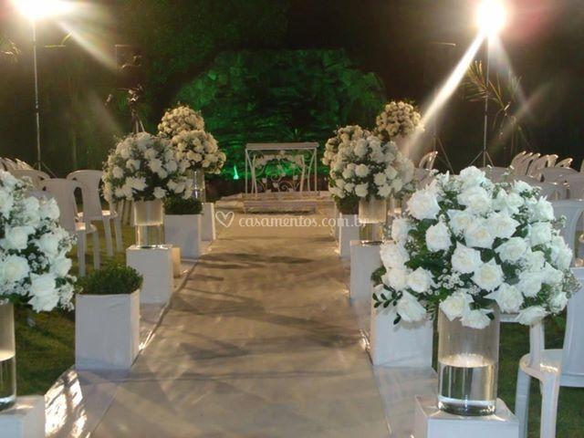 Cerimônia externa noturna