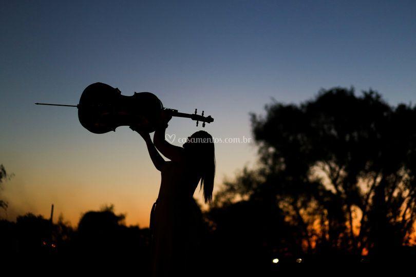 Cello e o por do sol