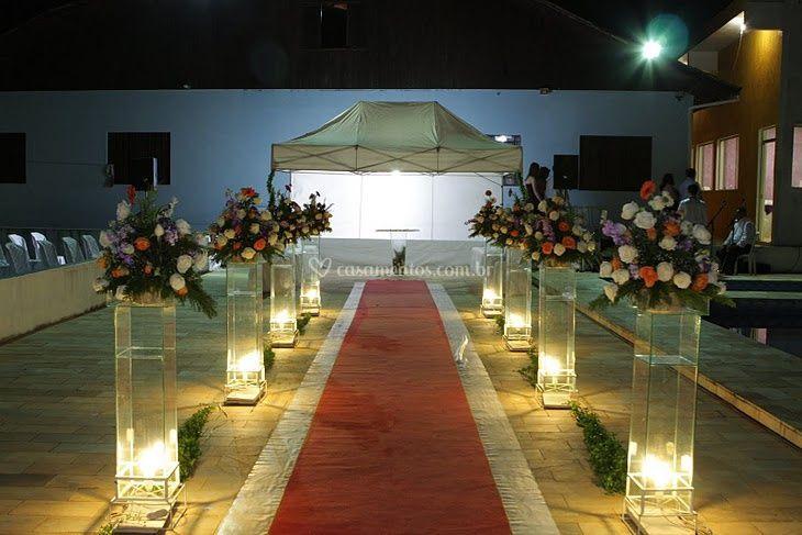 Pilar de vidro na piscina