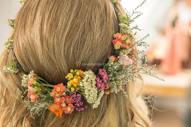 Acessórios florais para noivas