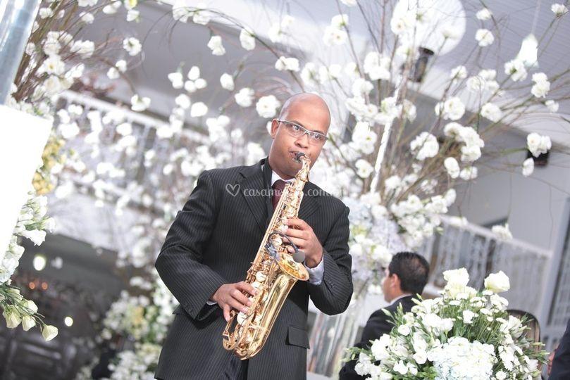 Sax para anuncio da noiva