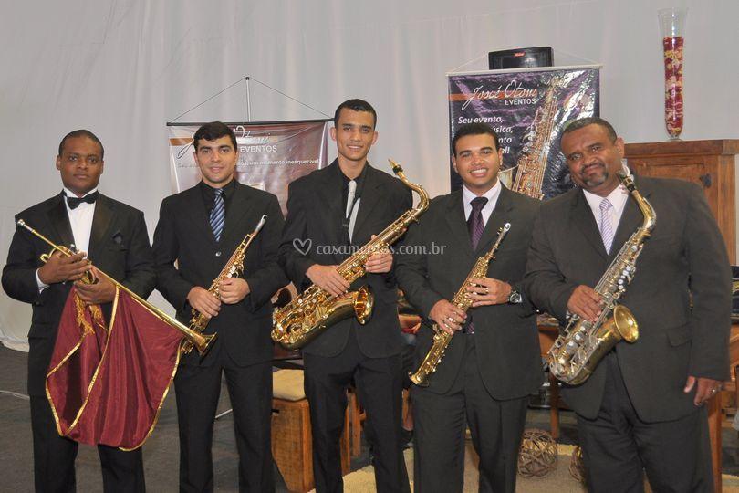 Equipe de saxofonista e Trompt