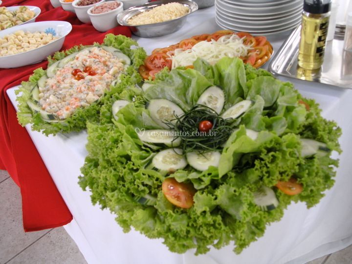 Varios tipos de saladas