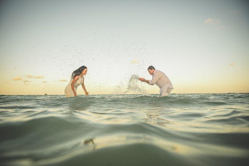 Brincadeira no mar