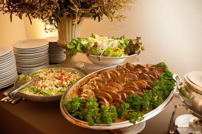 Saladas e Filet Mignon