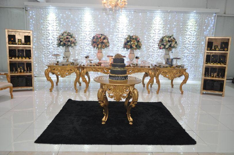 Decoração Mesas Douradas