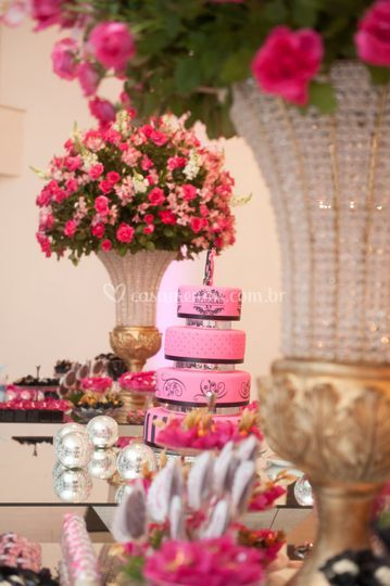 Arranjos mesa de bolo