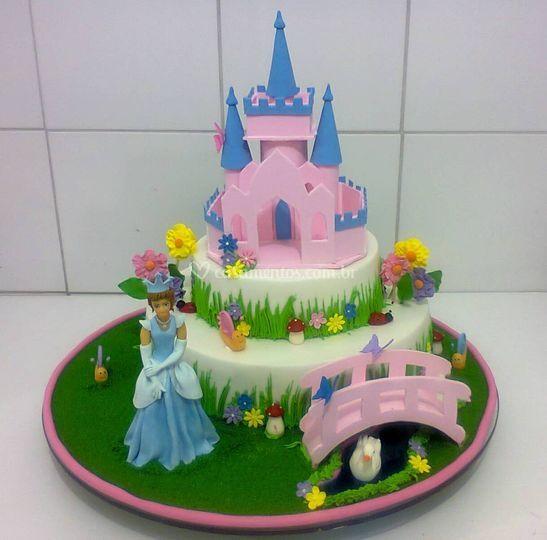 Bolo infantil princesa