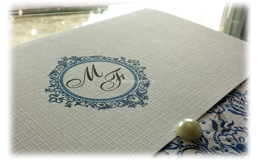 Convite com Floral Azul.