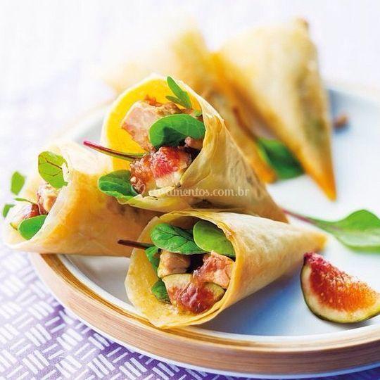 Cones de figo e salmão