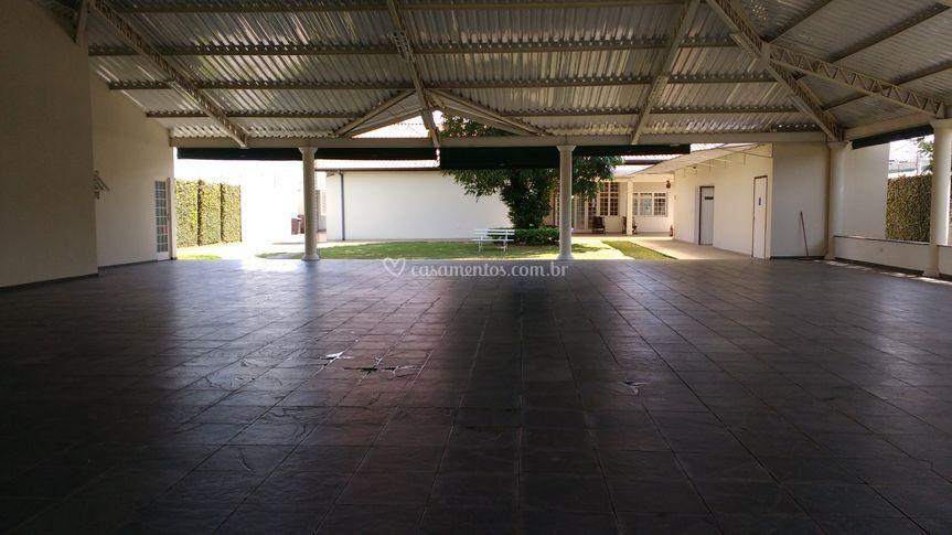Espaço coberto 400 m2