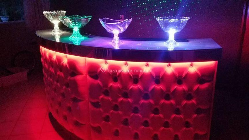 Bar branco com luz de led