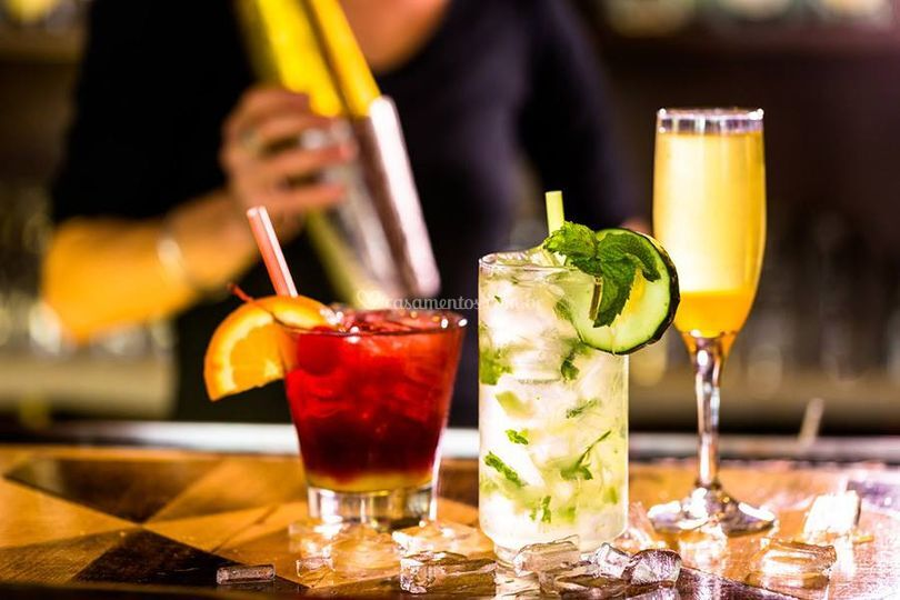 Diversas opções de drinks