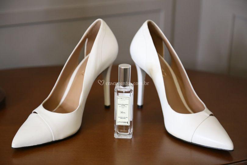 Perfume e sapatos