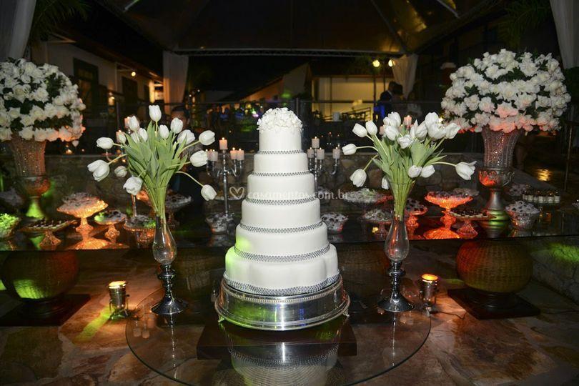 Mesa de bolo e doces bodas