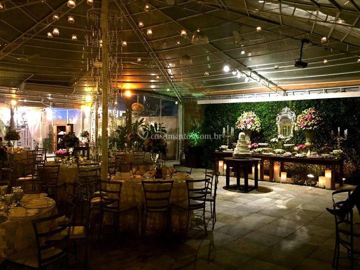 Tropical Casa de Festas