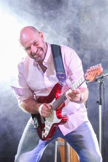 Edson  - Guitarra e vocal