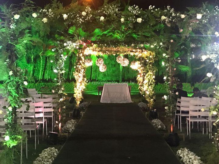 Casar com arcos no Jardim