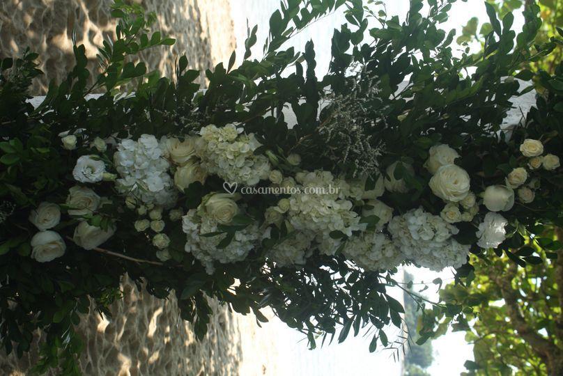 Detalhe do arco de flores
