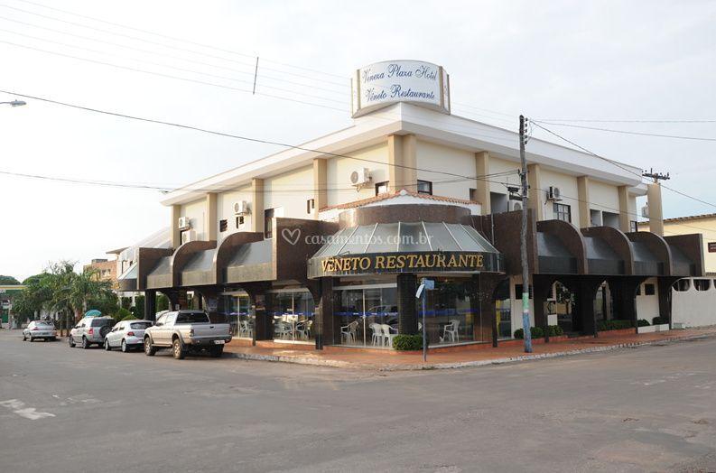 Fachada do Hotel de Veneza Plaza Hotel