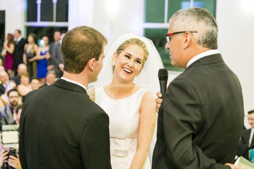 Beleza e alegria da noiva