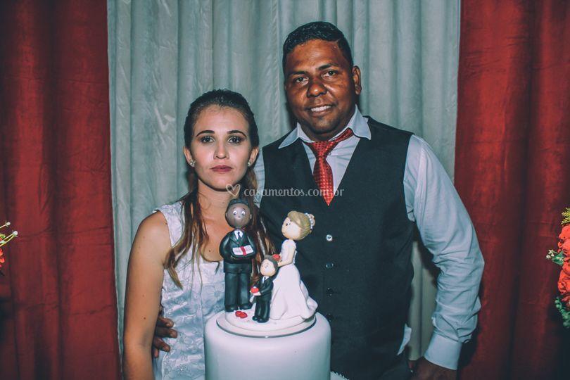 Noivos e bolo