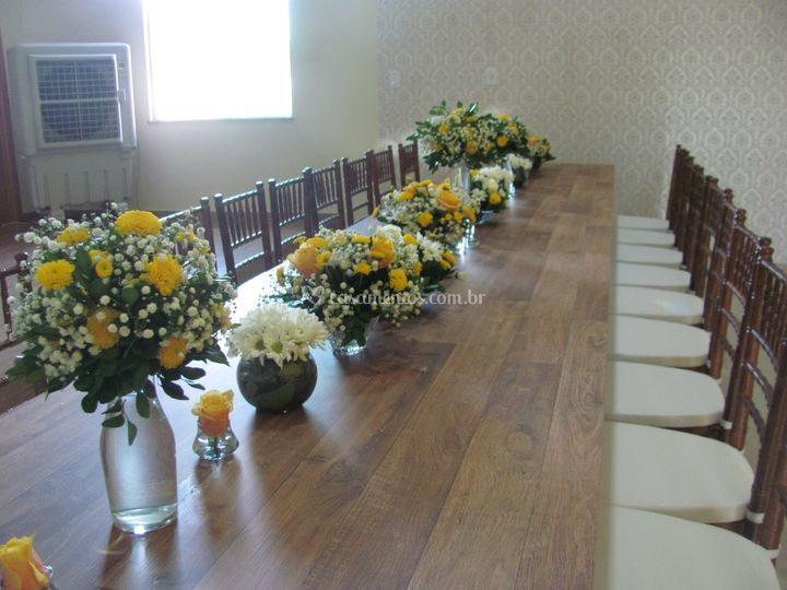 Mesa intima para família