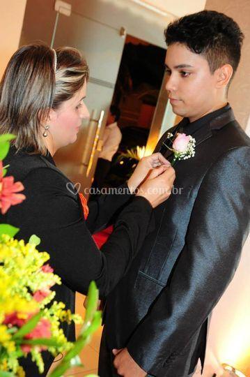 Assessorando o noivo