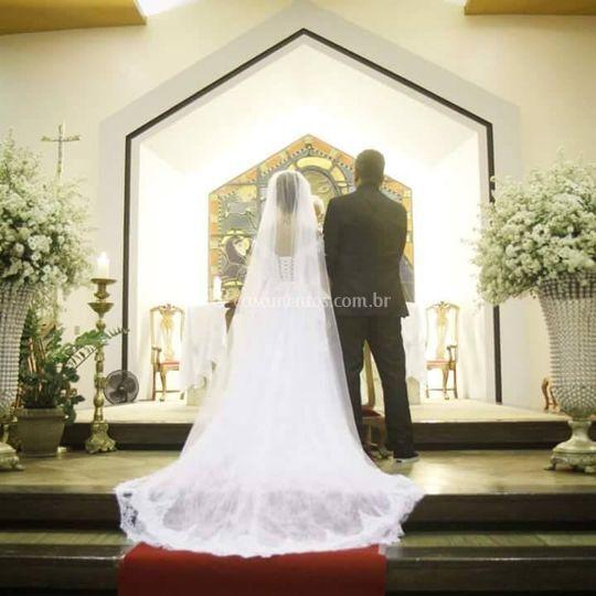 Noiva pronta no altar