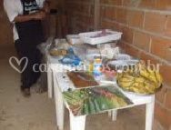 Mesa para preparação do churrasco