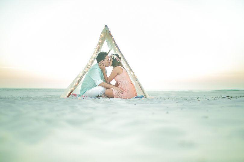 Cabana na praia ensaio noivos