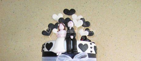 Topo de bolo em preto e branco