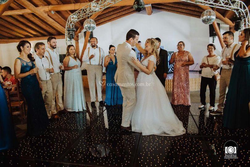 Primeira valsa como casados!