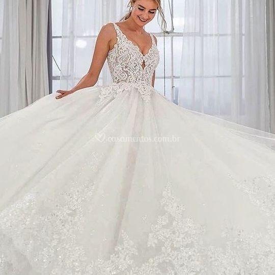 Vestido de Noiva rendado evasê